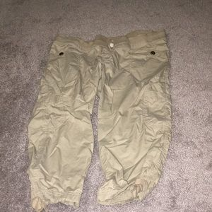 Old navy Woman's maternity capris size L